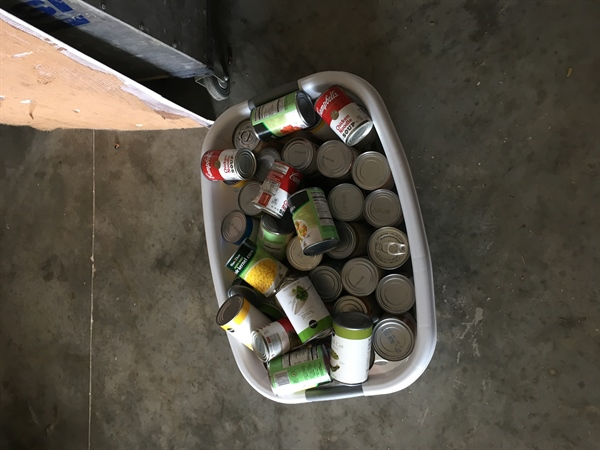 Florida Chapter Hosts Canned Food Drive