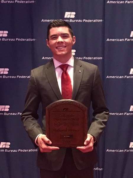 Cal Epsilon Member, Tim Truax, named 2018 Collegiate Discussion Meet National Winner